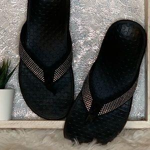 Vionic Crystal Detail Thing Flip Flops